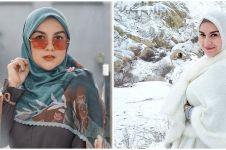 Foto pakai korset, gaya hijab Irish Bella jadi sorotan