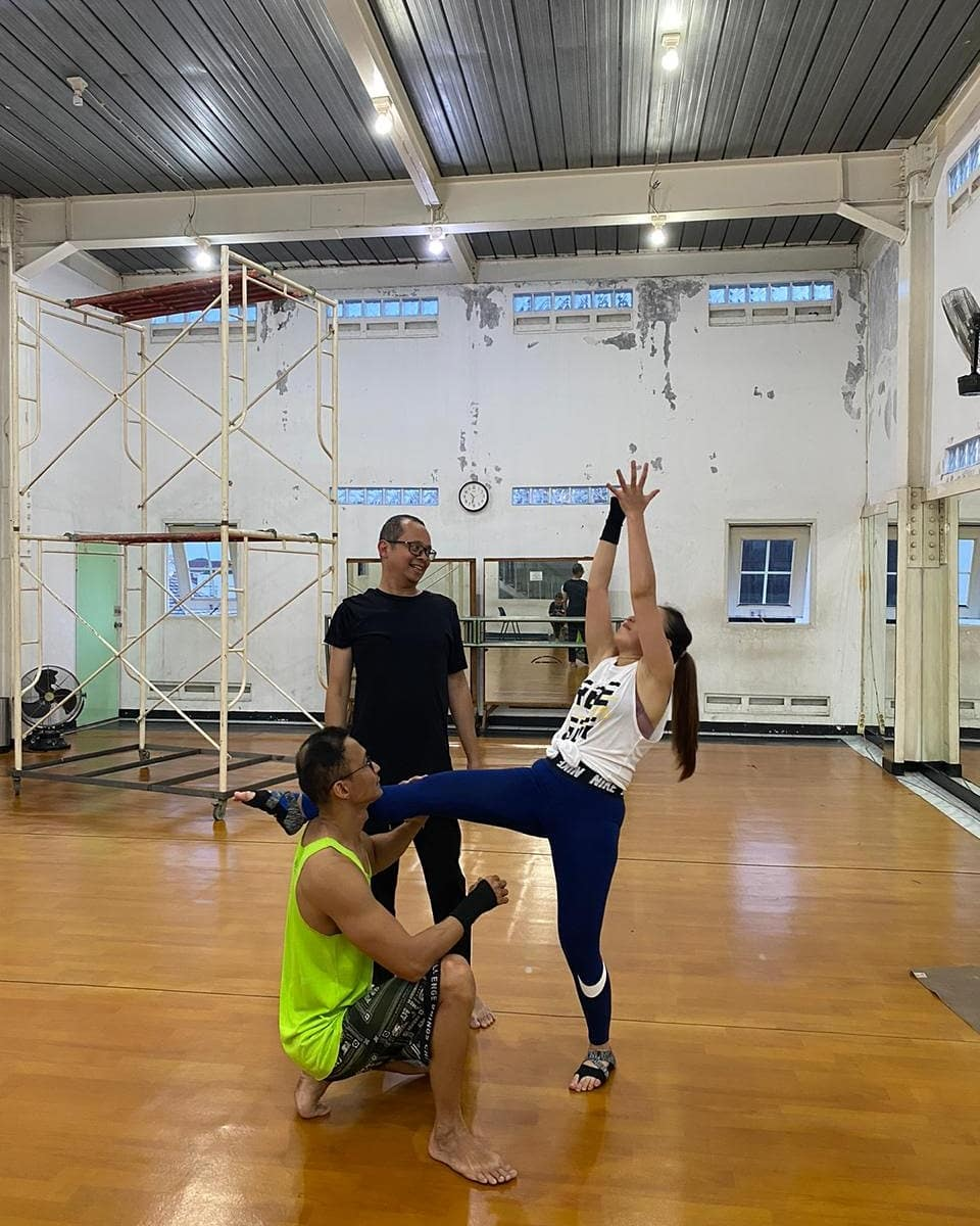 Ayu Ting Ting aerial dance instagram