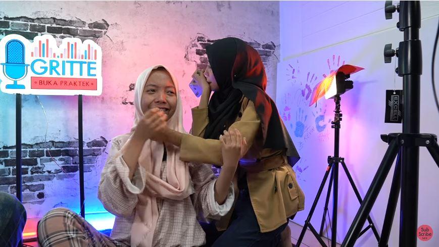 pertemuan Nadya dan Nabila pertama kali youtube