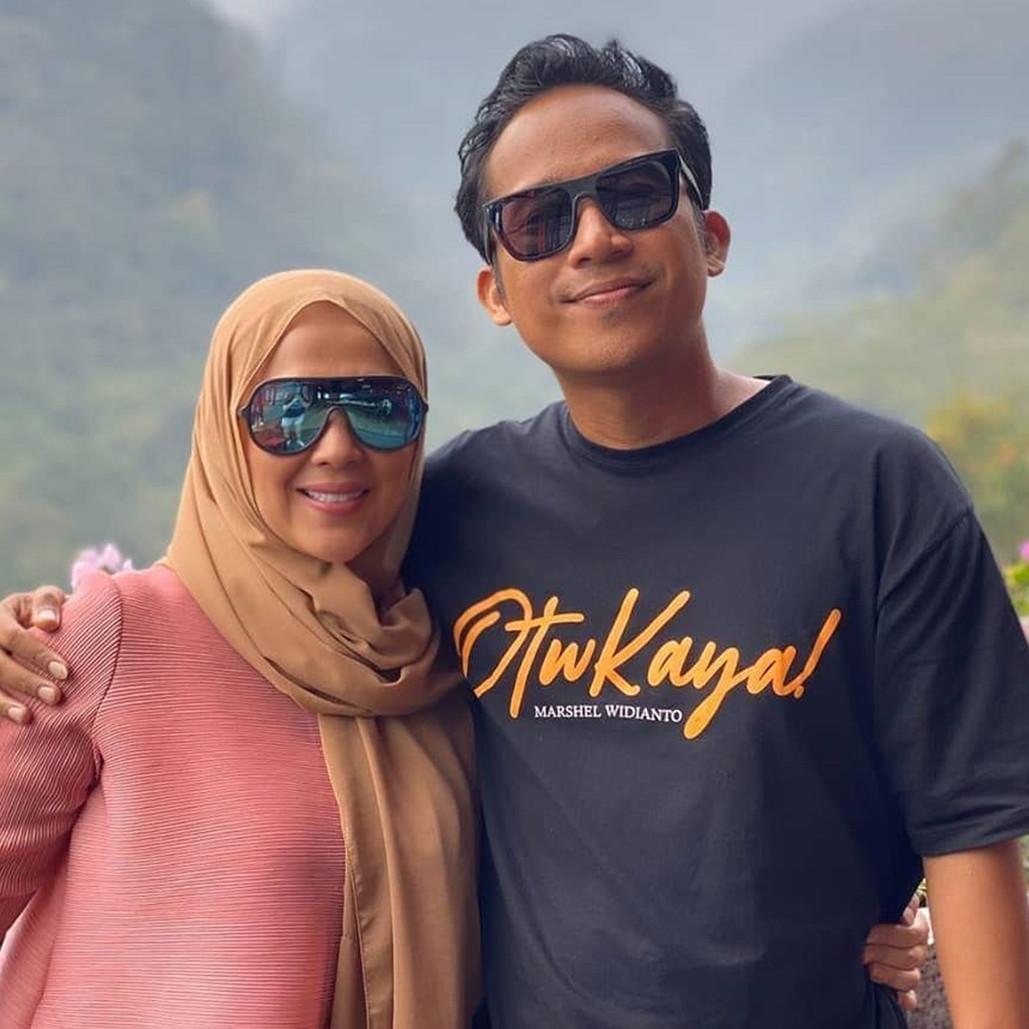 6 Potret ulang tahun Shanty istri Denny Cagur ke-35, kadonya cek