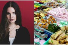 10 Cocoklogi kostum Lana Del Rey & jajanan pasar, bikin senyum