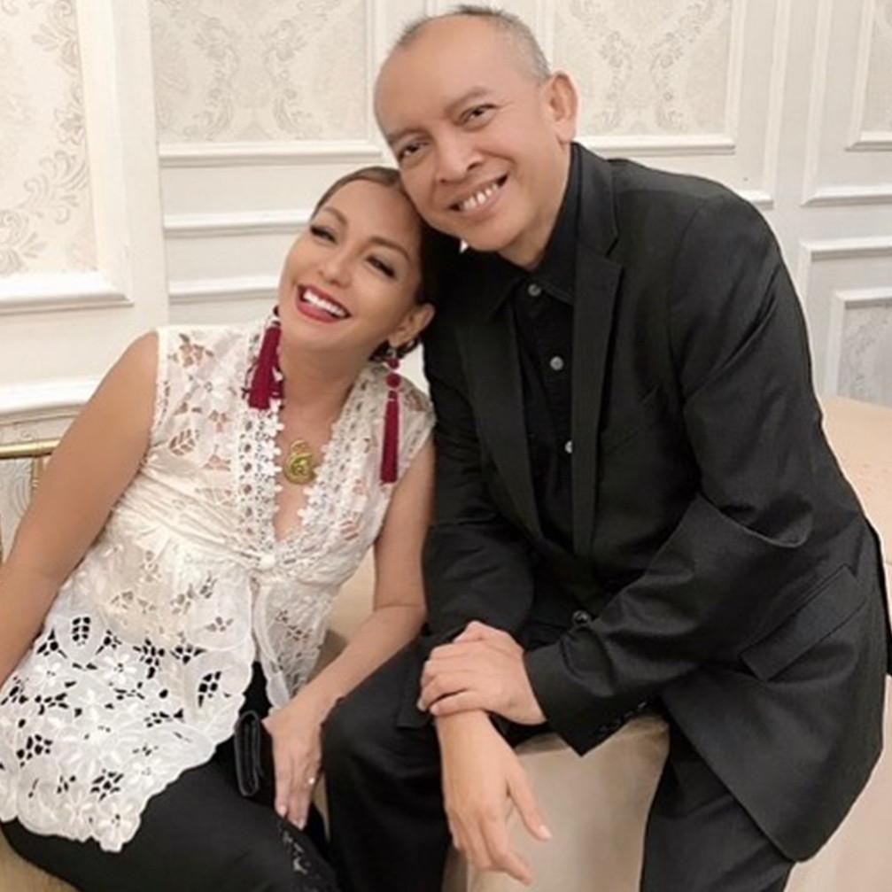 5 Potret Soraya Haque dampingi Ekki Soekarno jalani penyembuhan