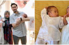 9 Momen akikah bayi kembar Syahnaz, busananya curi perhatian