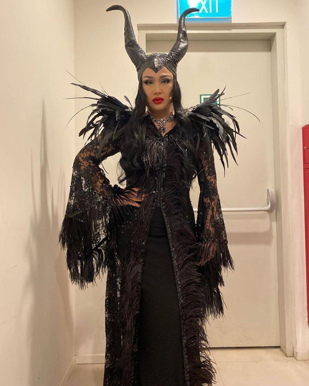 Diva gaya ikonik tampil instagram