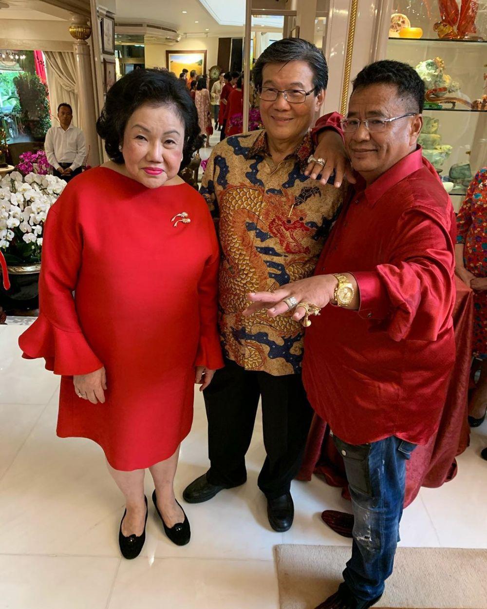 Potret perayaan Imlek di Rumah Konglomerat Indonesia Instagram/@hotmanparisofficial