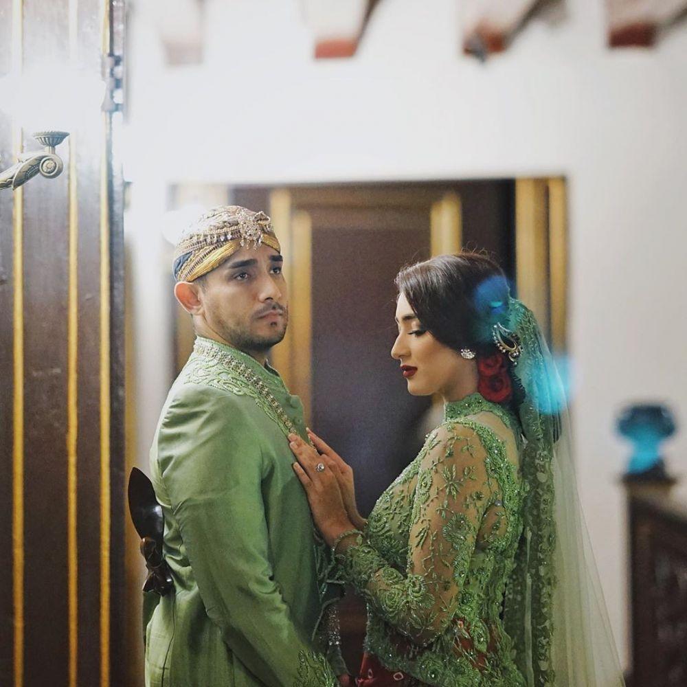 Gaya prewedding seleb ini unik & keren Instagram