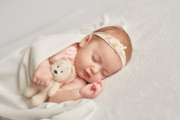 nama bayi beruntung freepik