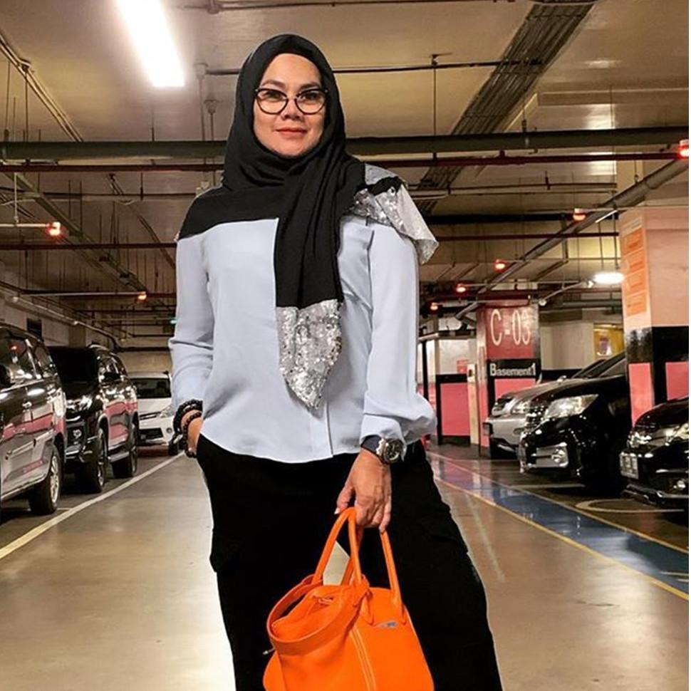 4 Kisah sedih perceraian Sarita Abdul, dapat aset jaminan utang