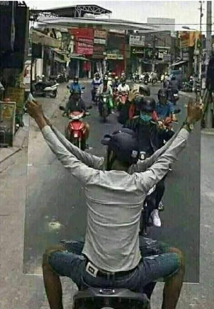 kelakuan orang naik motor Instagram