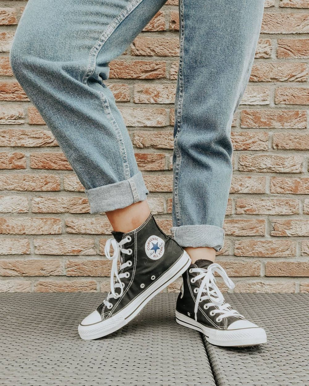 jenis sneakers ngetren istimewa