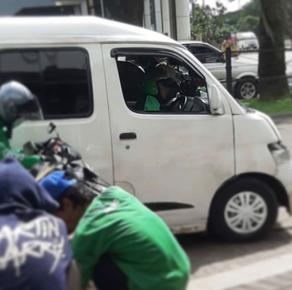 kelakuan usil driver ojek online lucu banget © berbagai sumber
