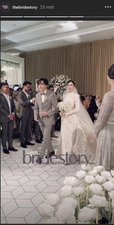 Momen resepsi pernikahan Isyana Sarasvati Instagram