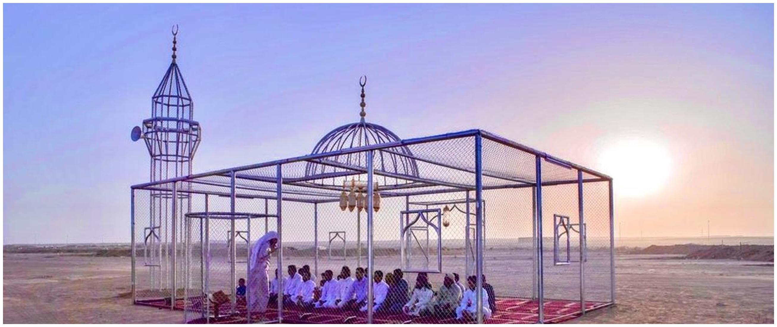 Penampakan masjid transparan di Arab Saudi ini bikin takjub