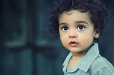 100 Nama bayi laki-laki bermakna tampan