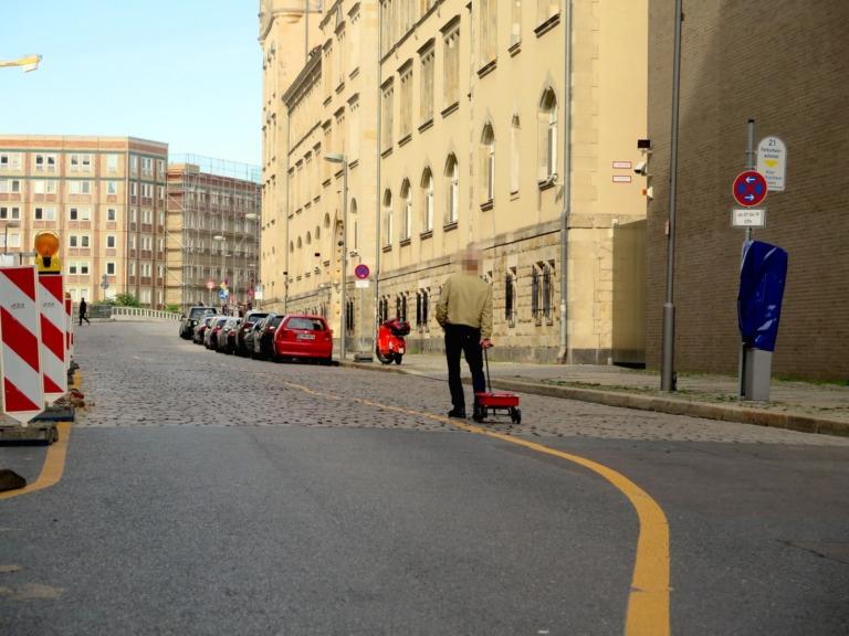pria bikin kemacetan virtual di Gmaps © 2020 simonweckert.com