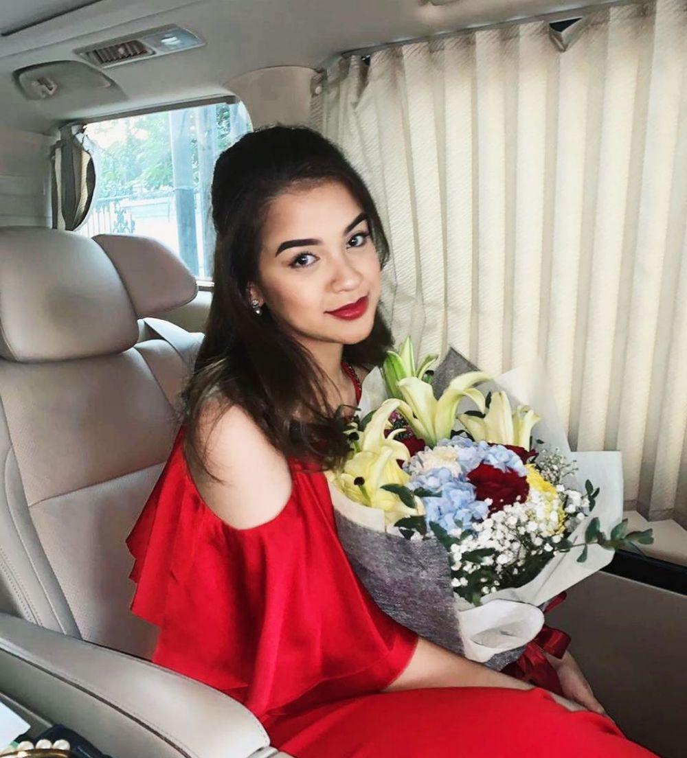 putri bungsu Iis Sugianto  instagram