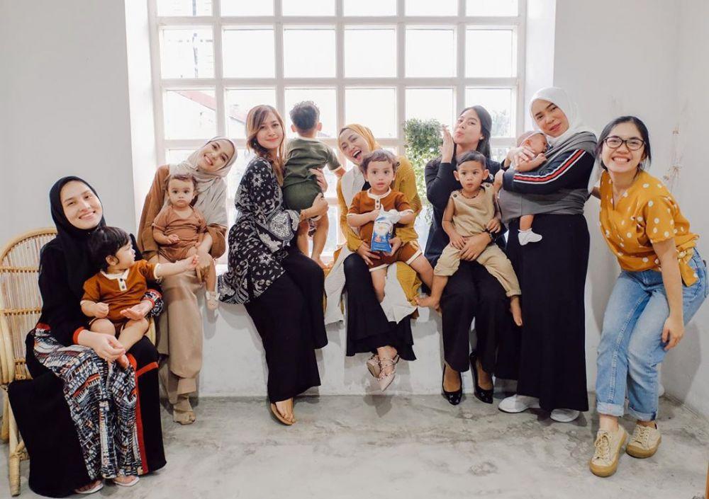 Fitri Tropica momong anak instagram