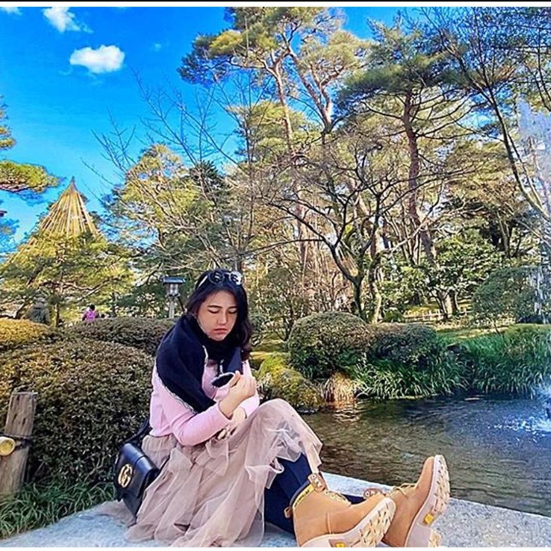 10 Momen liburan Via Vallen ke Jepang, fotonya dikira editan