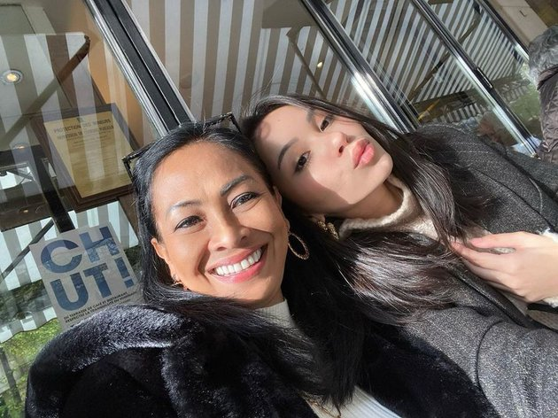 Alyssa Daguise dan sang ibu  Instagram