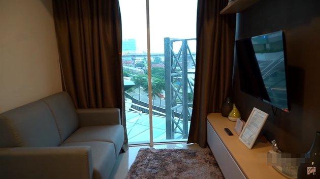 Apartemen Nenek Iro  YouTube