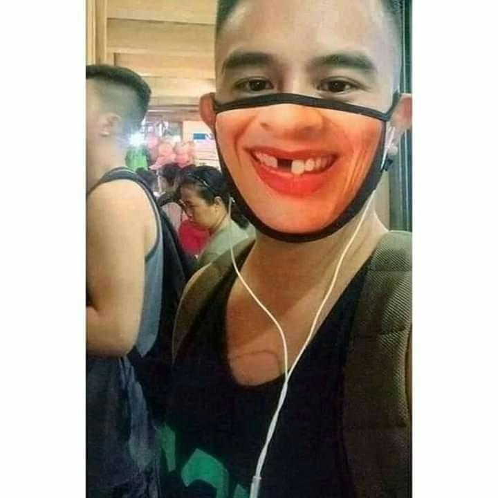 9 Masker ini bentuknya nyeleneh, Instagram
