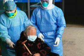 Nenek 96 tahun dinyatakan sembuh dari virus Corona