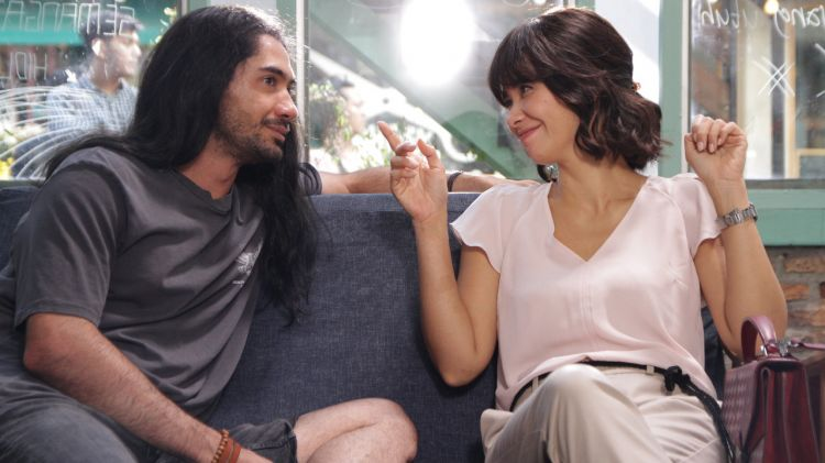 Beda pemikiran ungkapan cinta Reza Rahadian vs Marsha Timothy
