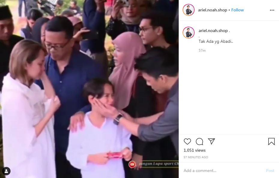 Ariel Noah ke pemakaman  Instagram