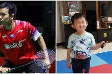 Momen kocak Hendra Setiawan ajari anaknya main bulu tangkis
