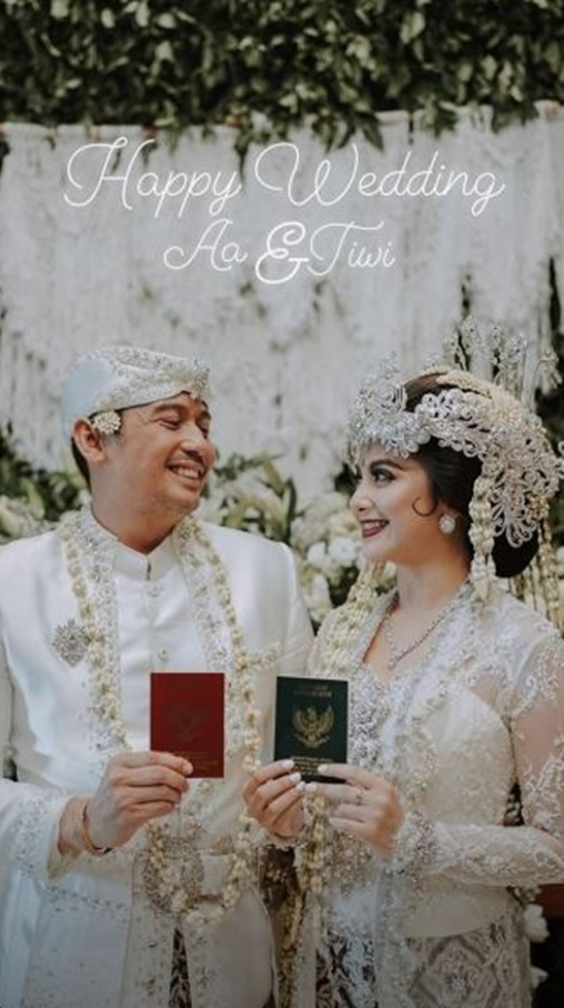 potret pernikahan Tiwi eks T2 © 2020 instagram.com