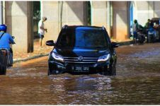 Diguyur hujan deras, ini 14 titik parah banjir Jakarta
