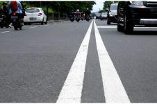 Mengenal warna marka jalan dan fungsinya