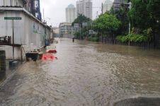 Anak sering main air saat banjir, waspada penyakit leptospirosis