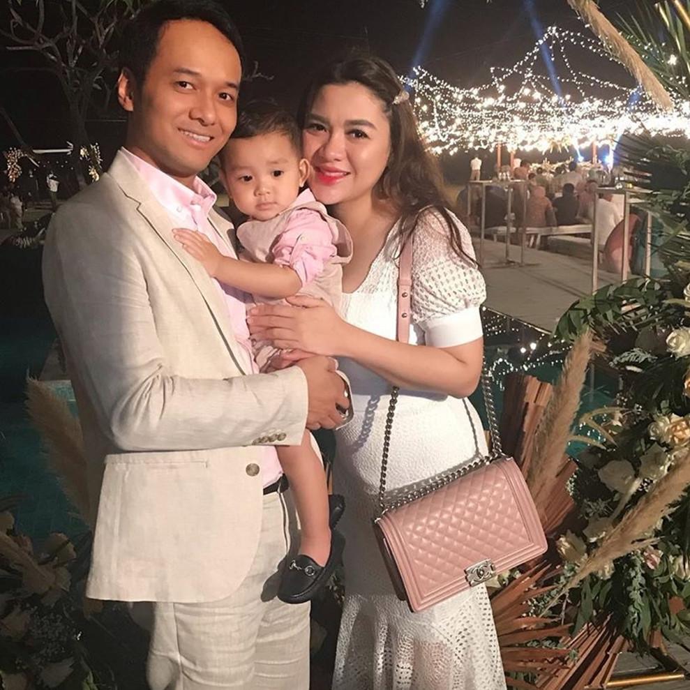 Cerita Vicky Shu melahirkan anak kedua, keluarga malah kaget