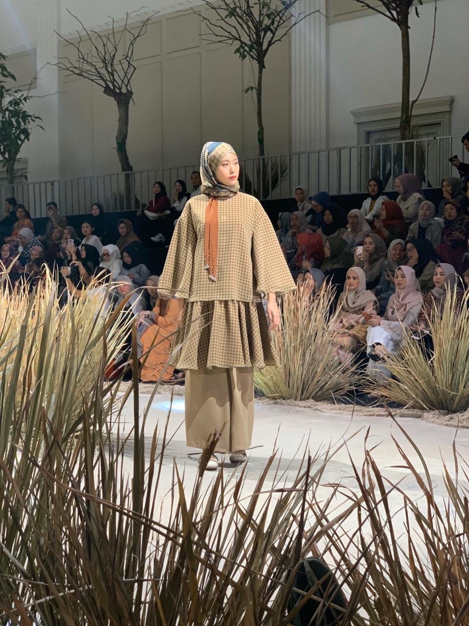 Tampil di Fashion Rhapsody, KAMI hadirkan koleksi bergaya urban