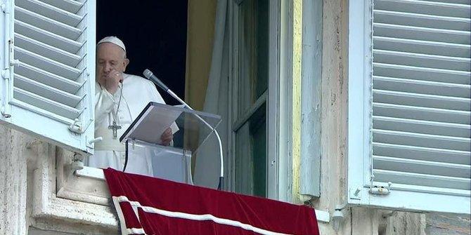 Sempat batuk & diduga terjangkit Corona, Paus Fransiskus negatif