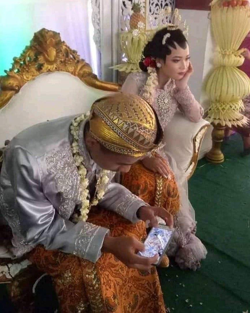 momen absurd pengantin di pelaminan © 2020 1cak.com