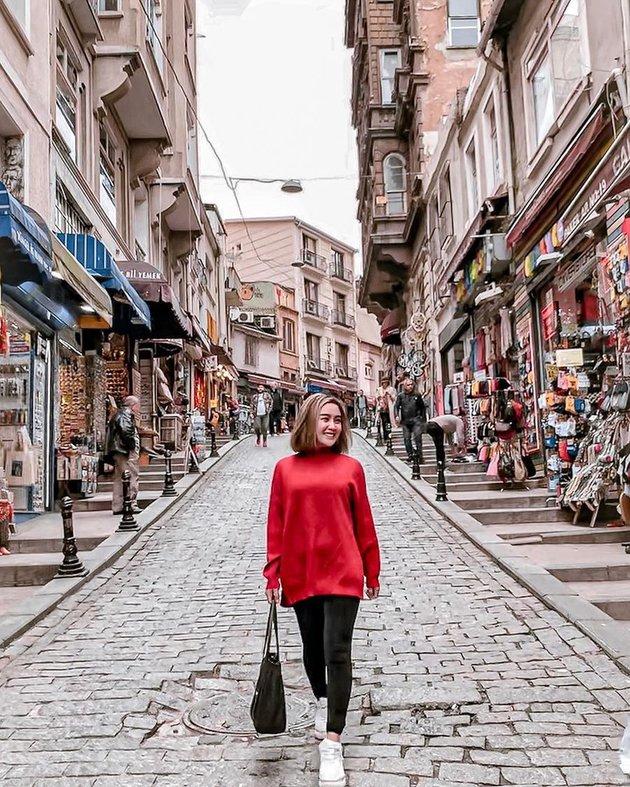 9 Potret Cita Citata di Turki, liburan & temani pacar dalami Islam © 2020 instagram.com