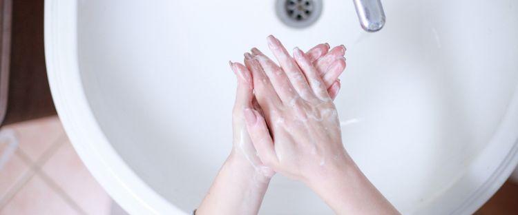 Ini kriteria hand sanitizer yang disarankan dokter