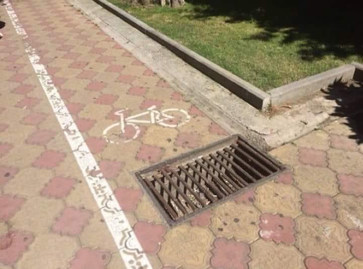 8 Desain jalur sepeda ini bikin gagal paham © 2020 facebook