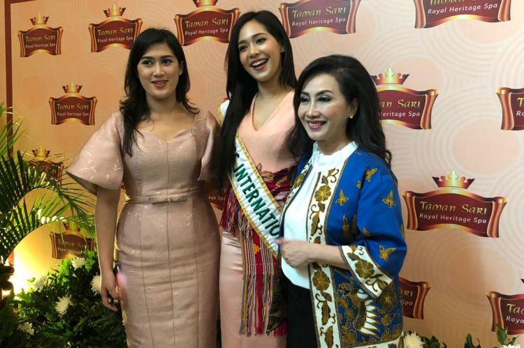 Jelang final Puteri Indonesia 2020, suguhan jamu untuk 3 putri dunia