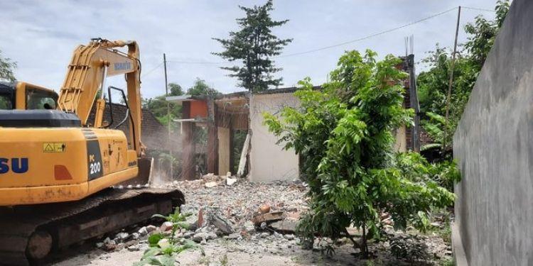 Viral suami di Ponorogo hancurkan rumah karena istri selingkuh