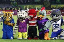 6 Aksi maskot Madura United pas main TikTok ini kocak abis