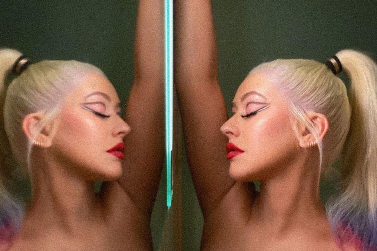 Christina Aguilera kembali mengisi soundtrack film Mulan
