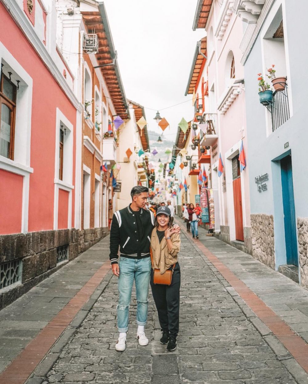 13 Potret Indra Priawan temani Nikita Willy travelling, sweet abis! Instagram