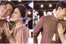 8 Potret prewedding 4 tema Caesar Hito & Felicya, curi perhatian