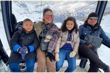 Liburan keluarga Krisdayanti dihujat, ini klarifikasi Raul Lemos