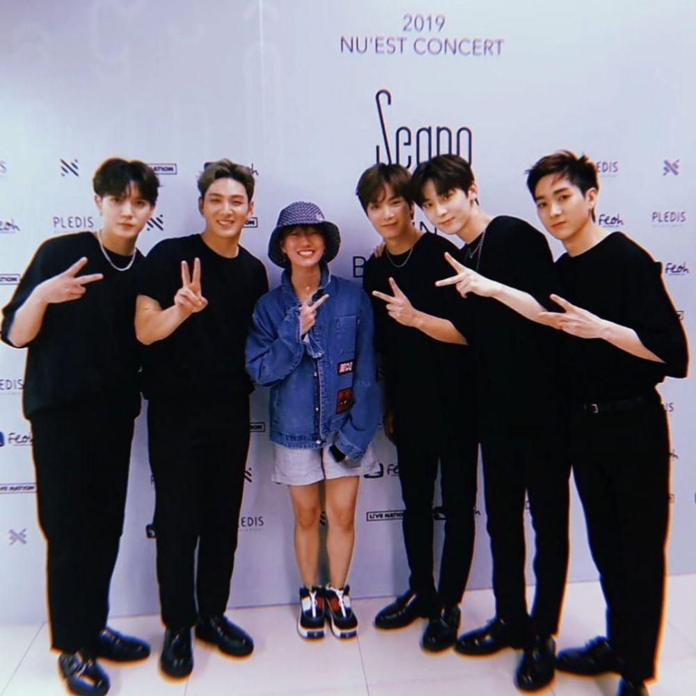 Potret kedekatan Youtuber Ria SW dengan 5 seleb Korea ini bikin iri Instagram