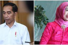 7 Potret kenangan Jokowi dengan mendiang ibu tercinta