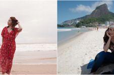 10 Gaya seleb waktu liburan di pantai, mana yang paling kece?